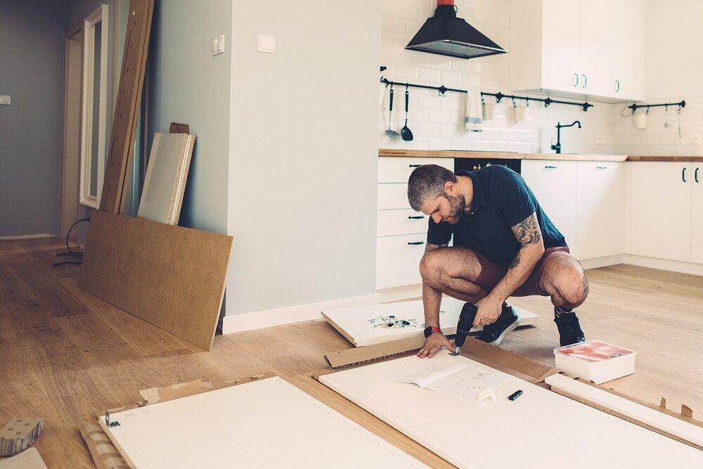 Eenvoudig een keukenkast monteren